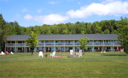 Munising, MI Lodging