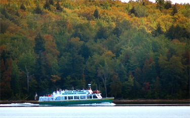 Great Lakes Glass Bottom Boat Tours